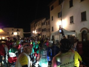 L'Eroica riders take a break in one of the Tuscany hill towns
